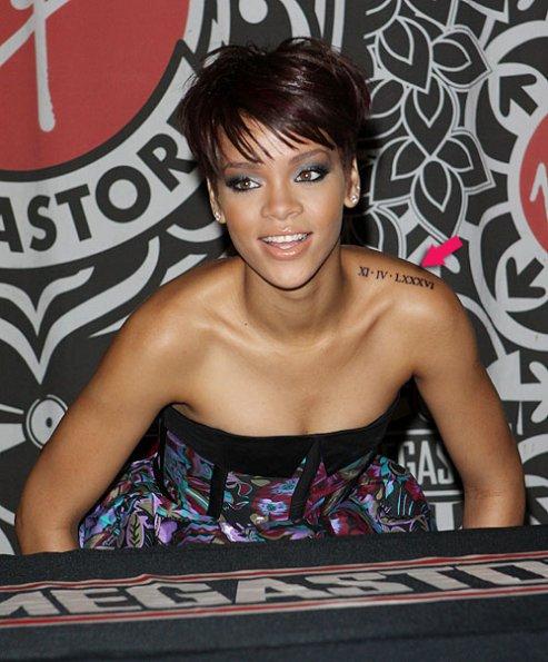Rihanna tetování XI-IV-LXXXV